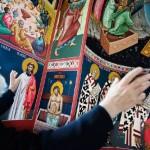 Den ortodokse kirkens freskomalerier har utspring i de enda eldre ikonmaleriene.